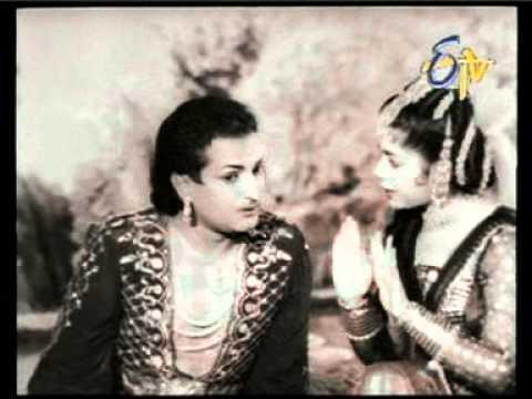 Rechukka Pagati Chukka - Ghantasala's Sweet Voice