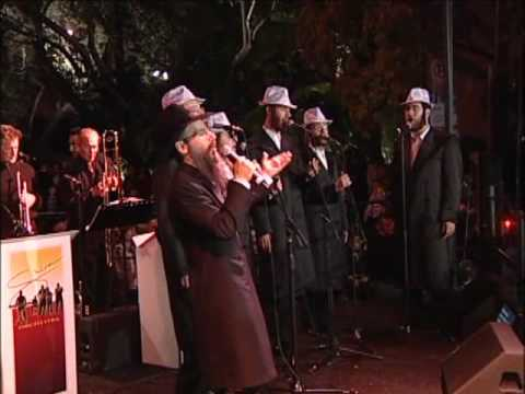 Avraham Fried performs with the Shira Orchestra
