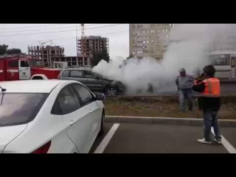 Машина загорелась на южном рынке в Ставрополе