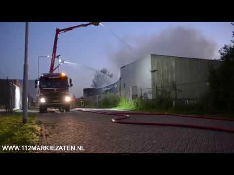 Brandweer is grote brand in Bergen op Zoom meester, politie start onderzoek