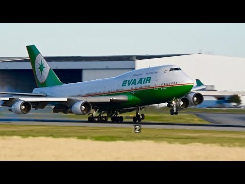 THE MIGHTY BOEING 747 - Landing Compilation