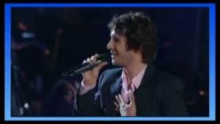 Josh Groban e David Foster (piano) - You raise me up