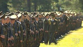 С этого момента их ждут солдатские будни и жизнь по уставу