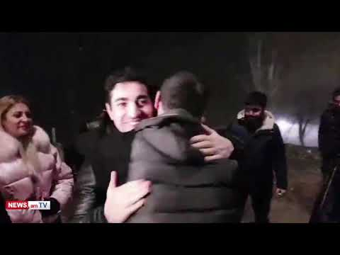 Տեսանյութ.  Սարգիս Օհանջանյանը ազատ արձակվեց. նրան ՔԿՀ–ի մոտ դիմավորեց Լեւոն Քոչարյանը