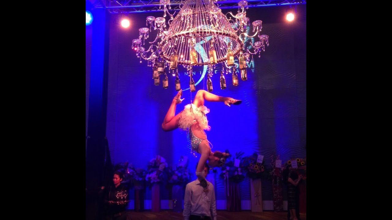 Aerial Champagne Chandelier @ Singapore 11th February 2014 - YouTube