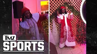 Todd Gurley Dances at Christmas Party, What Knee Problems? | TMZ Sports thumbnail