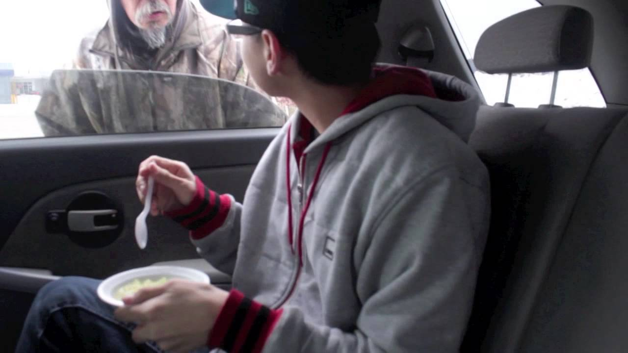 Feeding the Homeless (Vlog #4) TheParadiceMusic