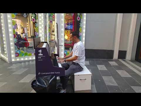 Dr Dre and Tupac Shakur Piano medley in Liverpool one performed by Christopher Scamp