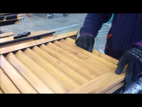 Montaje hoja persiana mallorquina thermia barcelona for Como arreglar una puerta de madera