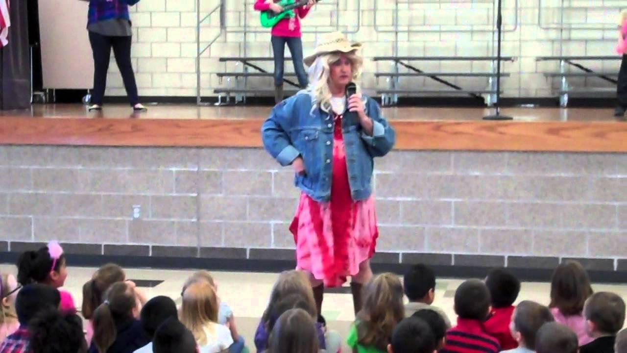 mr hills debut as taylor swift at barling elementary