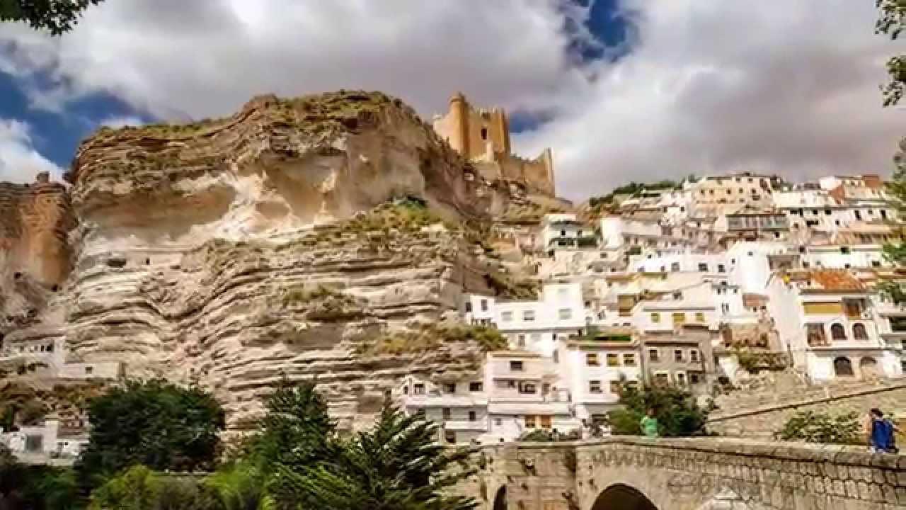 Alcal del j car uno de los pueblos m s bonitos de espa a youtube - Casas alcala del jucar ...