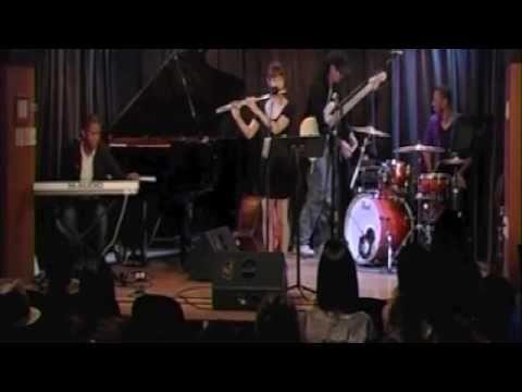 Freedom Jazz Dance -Beatboxing flute Intro-By Erisa Ogawa