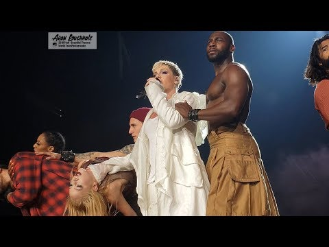 P!nk - What About Us (Beautiful Trauma World Tour, Vancouver)