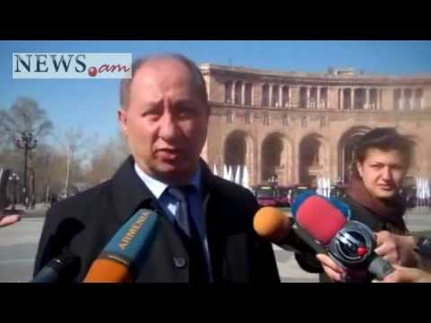 Armenian President, Yerevan Mayor Tour With Newly Imported Public Transport Buses