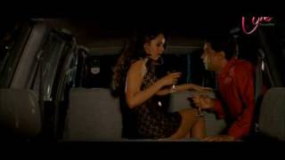 Repeat youtube video Paresh Rawal Romance in a Car