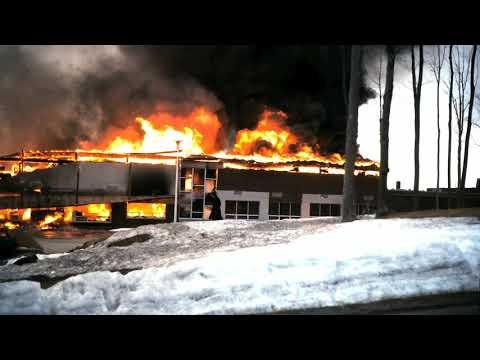 incendie majeur à la polyvalente de deux montagnes le 12 avril 1978 movie