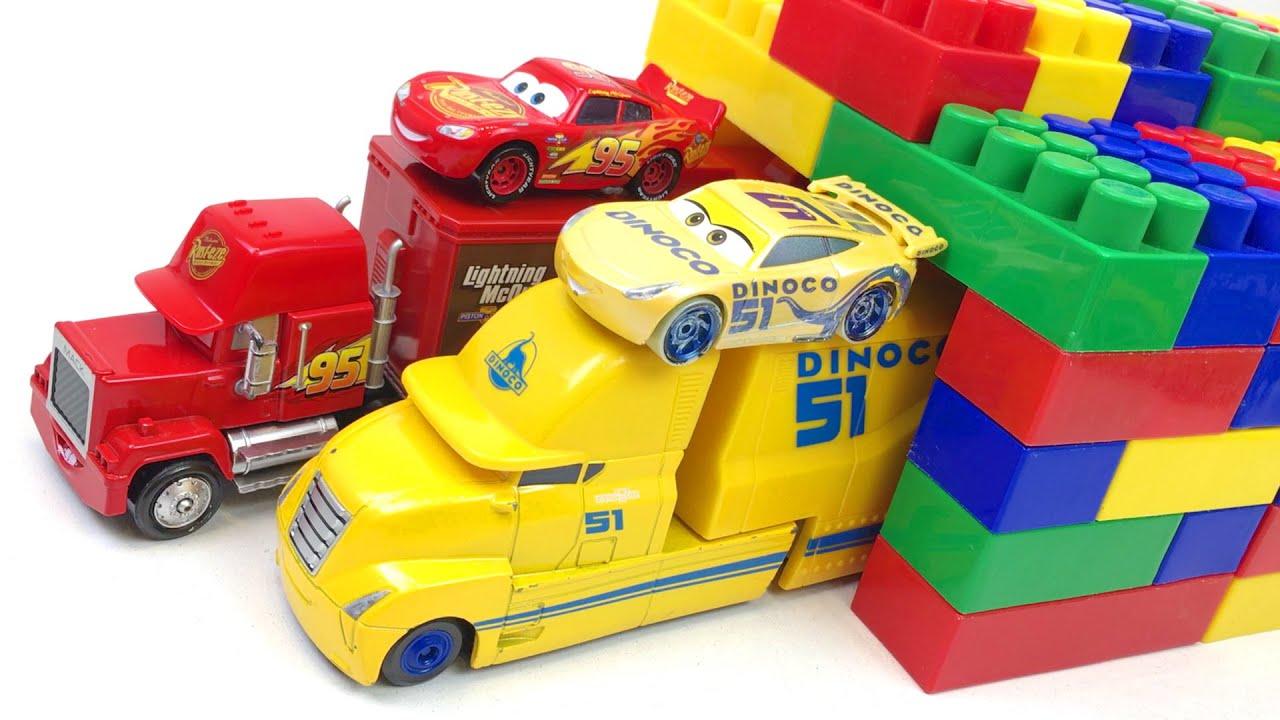 Disney Cars Toys Lightning McQueen Mack Trucks & Magic Garage Learn Colors