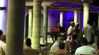 Живая музыка в отеле(, 2011-07-30T04:12:39.000Z)
