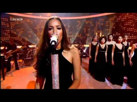 (HD) Leona Lewis Run Live Amazing Performance 11-11-11