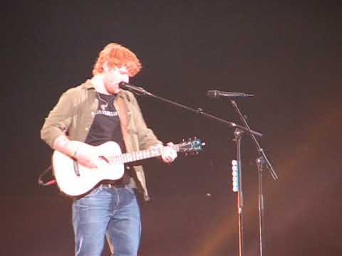 Ed Sheeran Castle on the Hill Chicago Allstate Arena 9 15 17