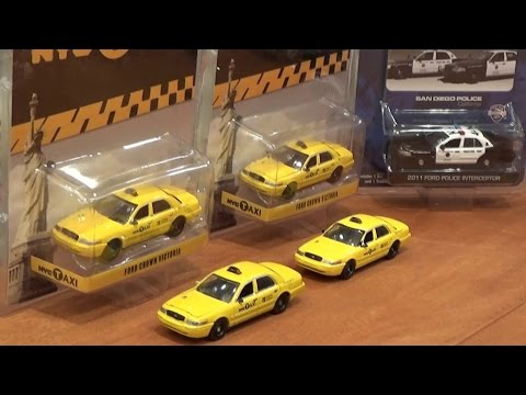Greenlight Hot Pursuit - Series 16 Police Vehicles and NYC Taxi