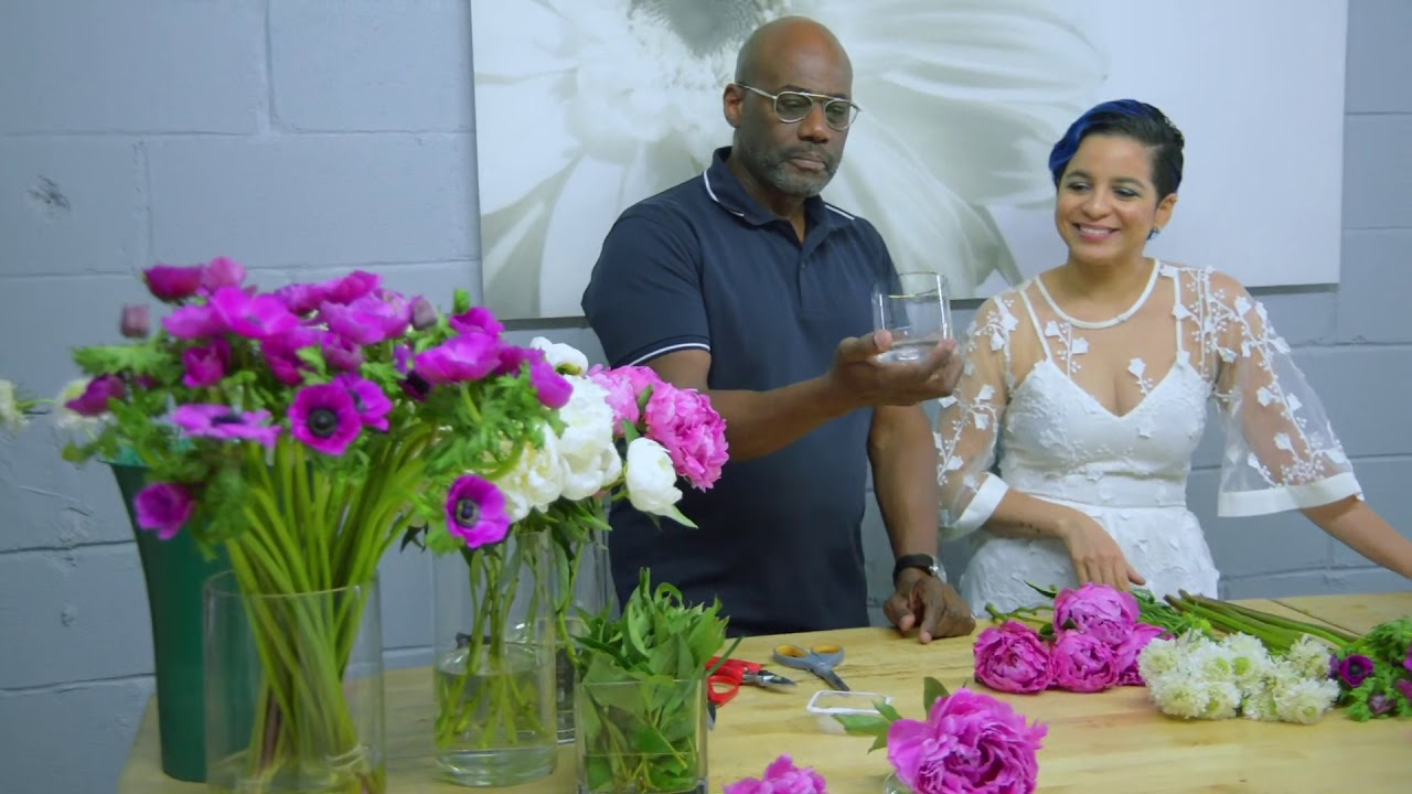 Floral Crate by The Style Marc | Tutorial Video on Creating DIY Floral Arrangements at Home!