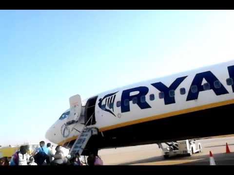 ryanair boeing 737-800 fez saiss