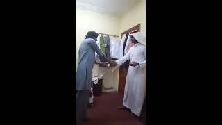 كفيل سعودي يصفع مقيم باكستاني وتدور بينهم مشاجرة