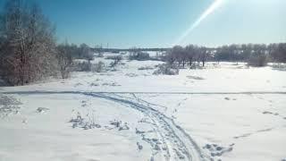 В деревне зимой замело. Красота. Природа