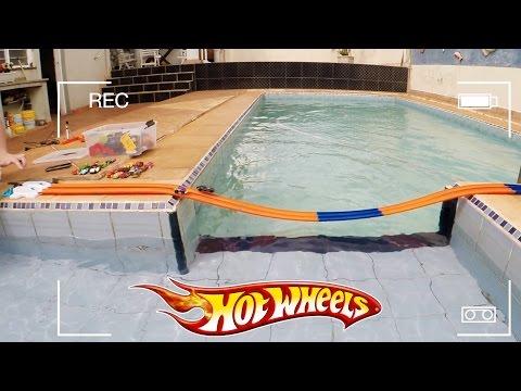 Hot Wheels Pista Corrida Ponte Dupla na Piscina - Carrinho da Mulher Maravilha #6