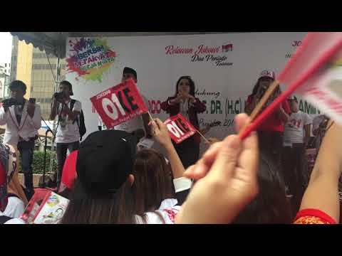 Deklarasi Dukung Jokowi -KH.Ma'ruf Amin Nyanyikan Lagu Indonesia Raya Bersama