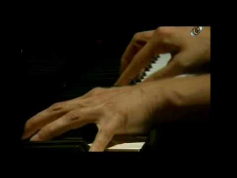 Martha Argerich & Nelson Freire / Rachmaninoff - Suite for two pianos 2/3