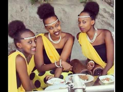 Amafoto 30 Y'abakobwa Beza Mu Rwanda