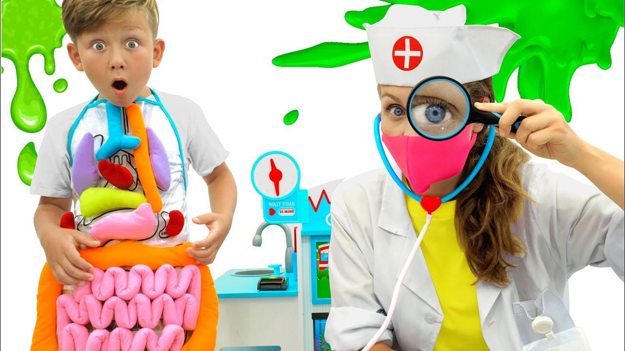 Сеня и Мама играют в доктора и рассказывают как важно мыть Руки