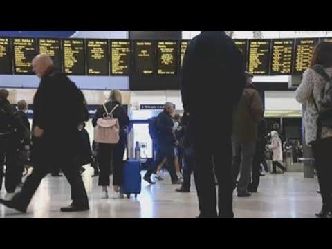 Investigan tres paquetes con explosivos caseiros detectados en Londres