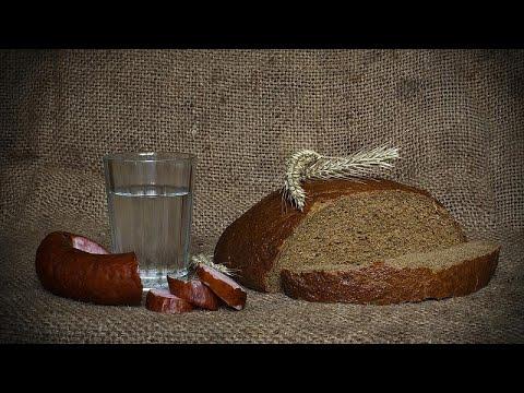بالفيديو: أشهر طباخي روسيا يعرّفون جماهير المونديال على المطبخ الروسي…  - 17:21-2018 / 6 / 22