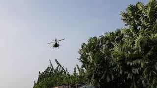 농약살포하는 무선헬기 그랜져 풀옵션가격이랑 맞먹는 녀석…