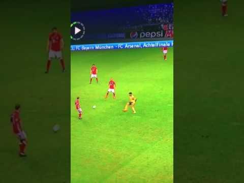 Oxlade Chamberlain getting angry(Angry React) after Bayern trashed Arsenal 5-1