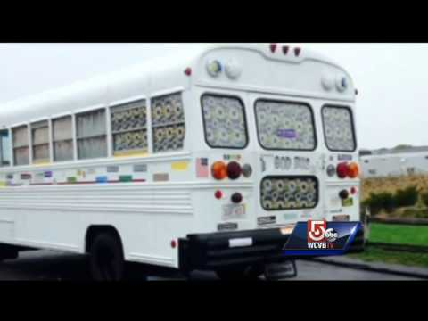 Gibsonton mom fights for new school bus stop to avoid sex offender, dangerous roadwayKaynak: YouTube · Süre: 1 dakika24 saniye