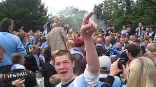 FA Cup Final 2011 Man City Legend Uwe Rosler Visits Green Man Pub