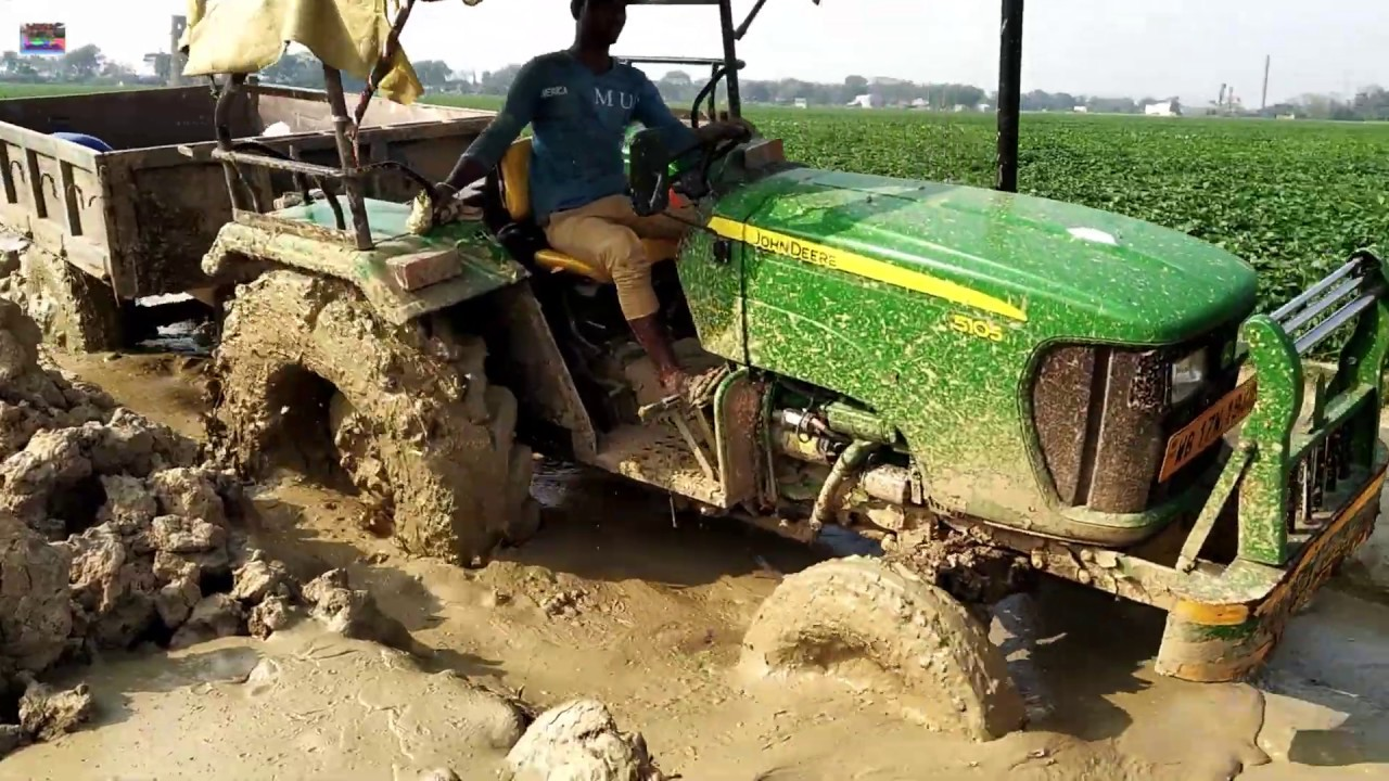 JCB Tractor Video | John Deere 5105 stuck in mud very badly Rescued By Jcb 3dx Backhoe Machine.