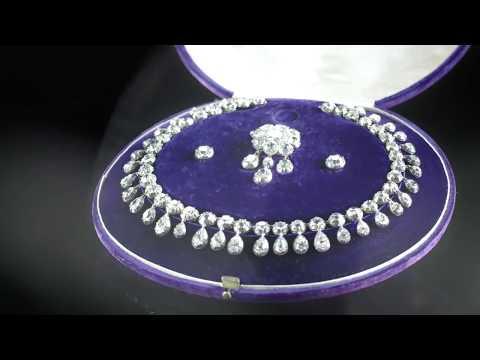 Joyas de la reina María Antonieta se exhiben en Dubái antes de ser subastadas