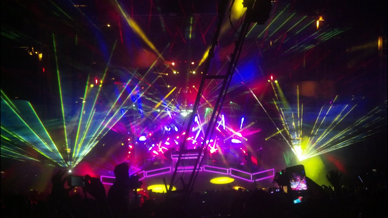 Band Wallpapers Hd Hd So Bright Pretty Lights Red Rocks 2013 Live Band