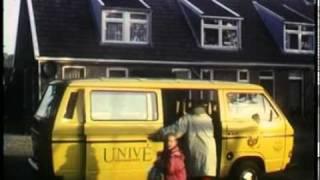 Westervelde, hunebed D2 en schoolbus 1994