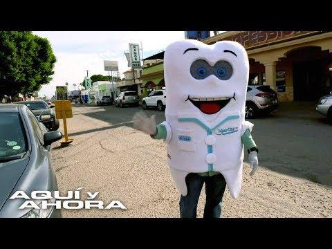 Estadounidenses viajan a rehacer su sonrisa en un pequeño pueblo mexicano con más de 500 dentistas