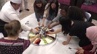Türkçe Olimpiyatları Öğrencilerinin Bahri usta ile maklube keyfi