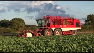 JOHN DEERE - Mit moderner Landtechnik durch's Jahr – Trailer HD