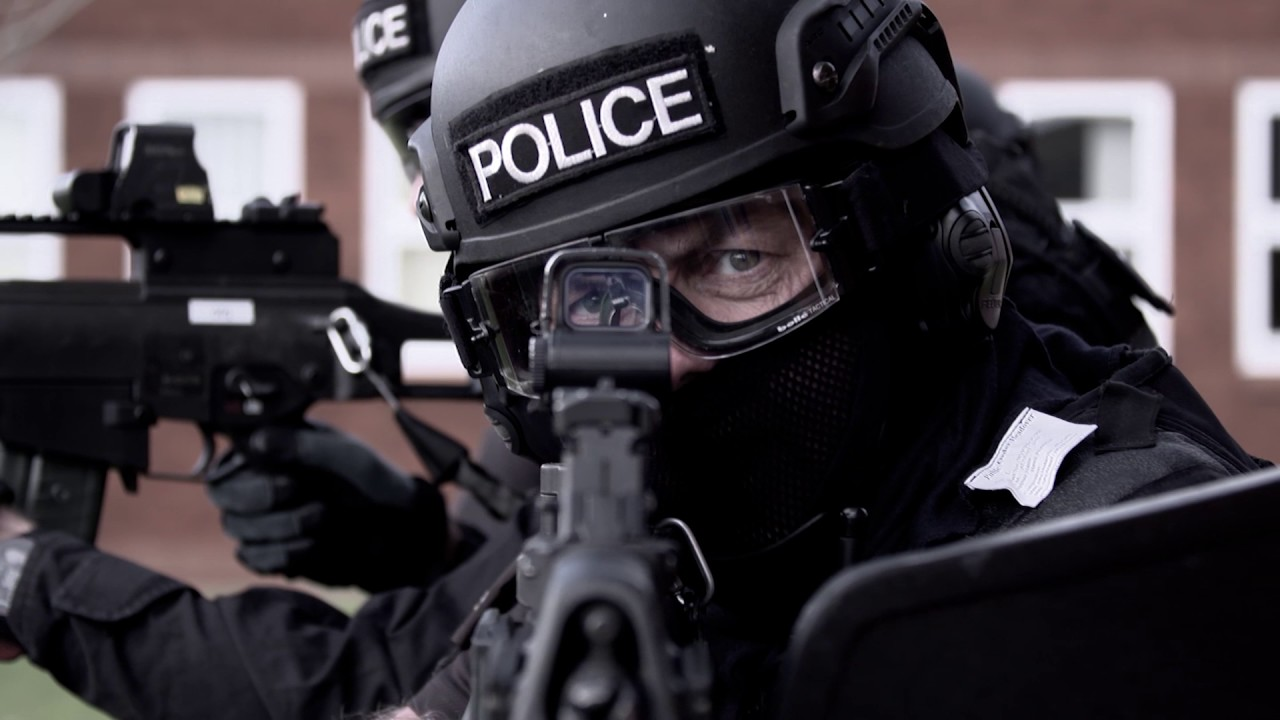 Behind the scenes – Firearms officers