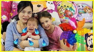 Crying Baby Song Finger Family & Nursery Rhymes, Learn Colors with Windmill for Children & Babies