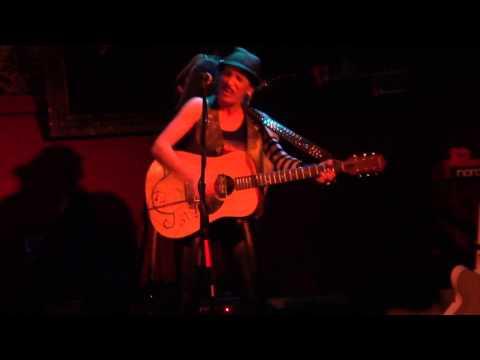 Shirley Levi 2 at Bar Lubetsch